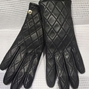 Cole Haan quilted leather gloves